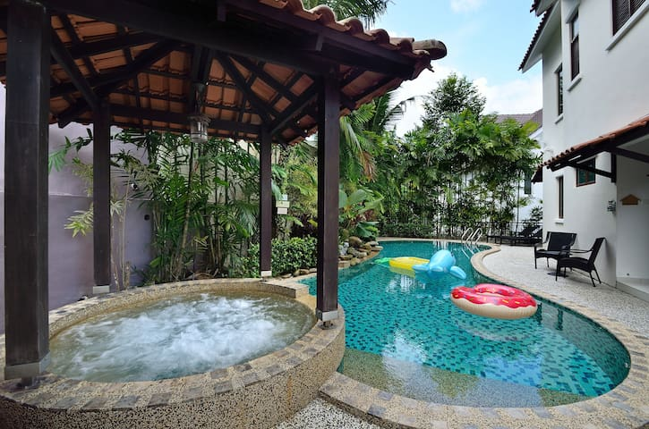 Hilltop Villa, Batu Ferringhi, Penang, Malaysia