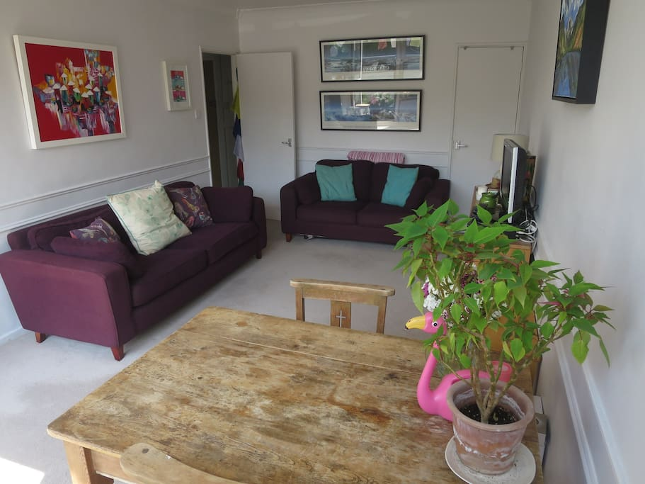 Spacious Lounge and Dining area with Sofabed