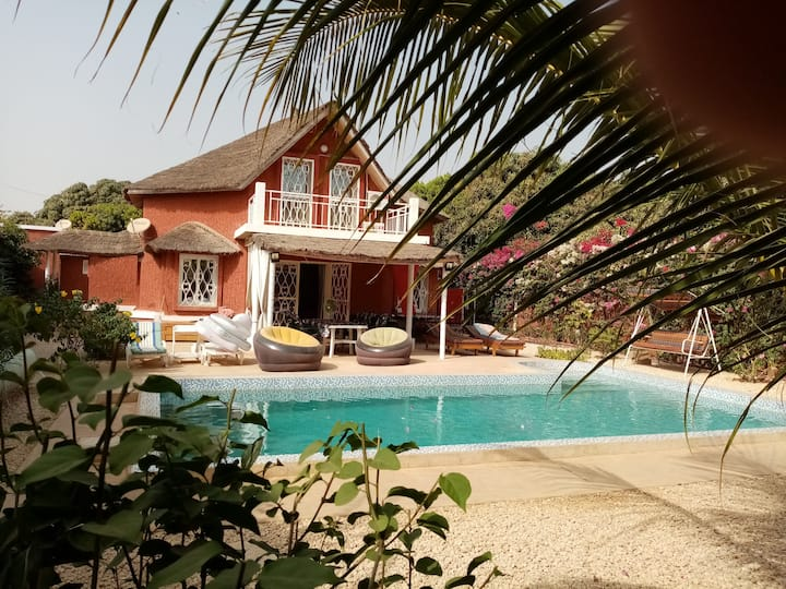 villa LEZARD