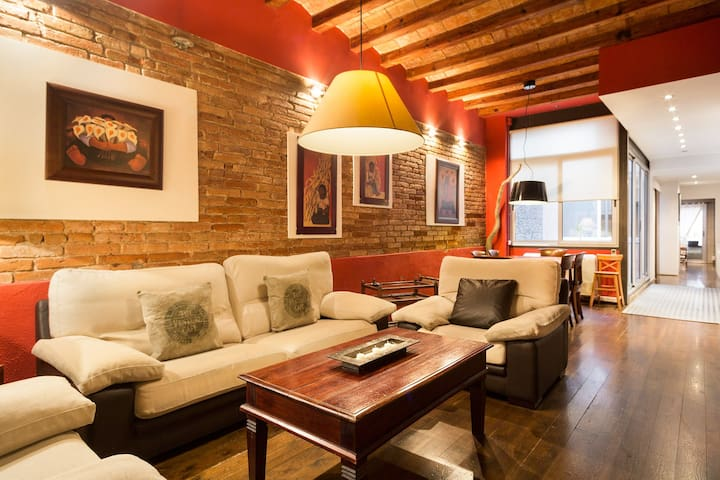 Charming ground floor at Gracia !