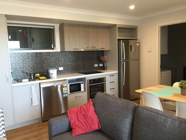 Perth perfect location - New 1 bed apartment (#12)