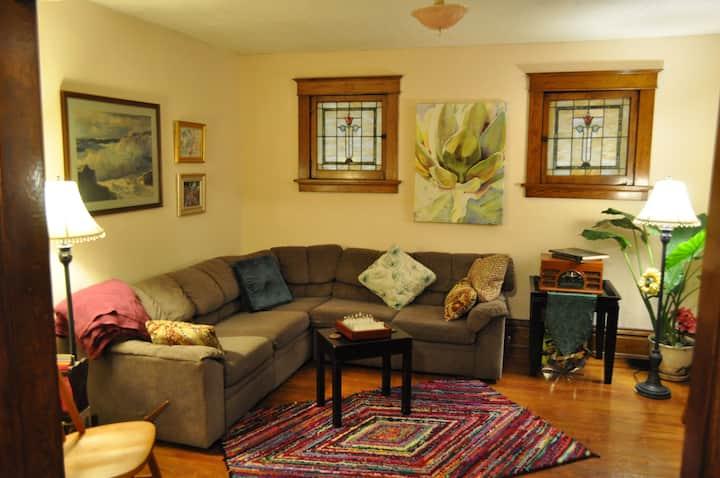 Saint Louis Central Farm House (Extended Stay)