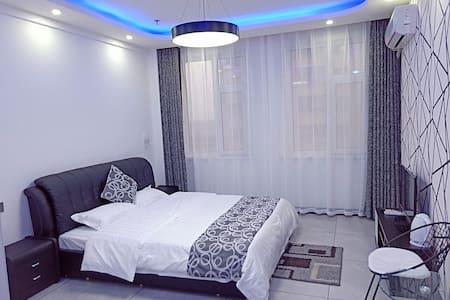 世纪新城现代风格公寓日租房