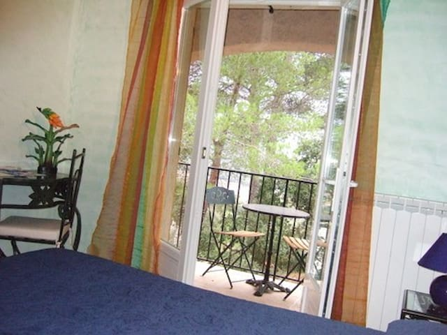 lalibran chambre amandier - Pierrefeu-du-Var - Bed & Breakfast