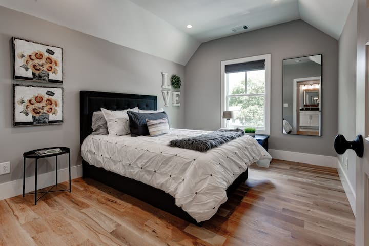 Cozy Bedroom with Closet