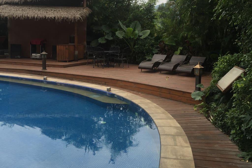 很棒的游泳池哦,还是温泉