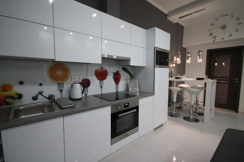 Lovely full- equipped kitchen with dining area