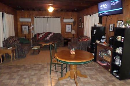 Bedroom; Kitchen; living room - แทมปา