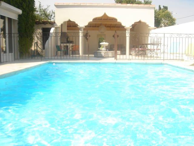 Près d'Arles, un Riad en Camargue