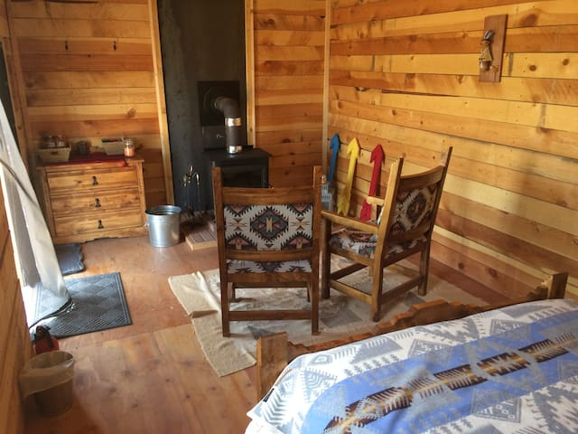 Cabin Glamping at Shash Dine'