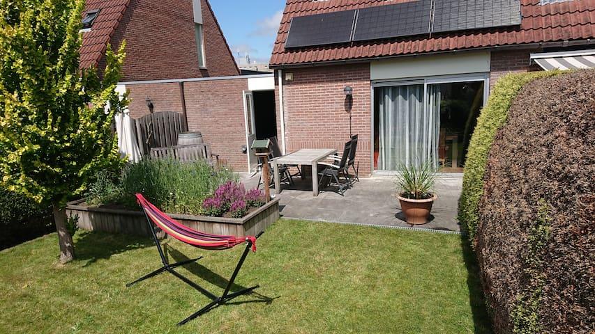 Woning met tuin nabij centrum Leeuwarden.
