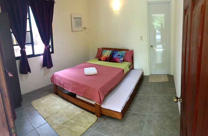 Ragsak Kamp - Couples Room at Kwarto ti Gassat
