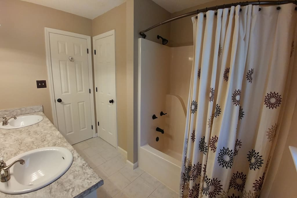 Hall bathroom, shared