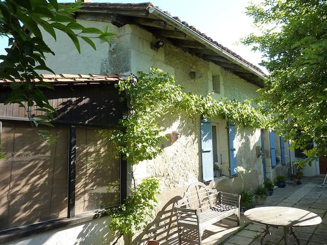 La Fermette de Vignas Suite 2 - Vanxains - Bed & Breakfast