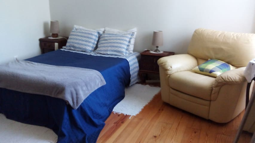 Private room+wc in central Aveiro