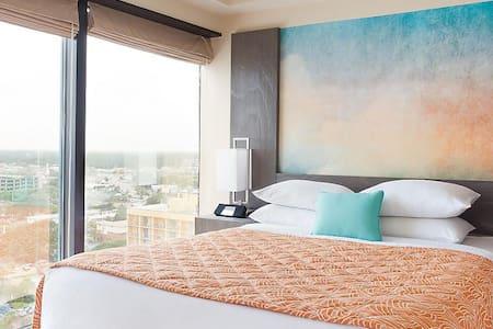 1 bedroom condo ocean front