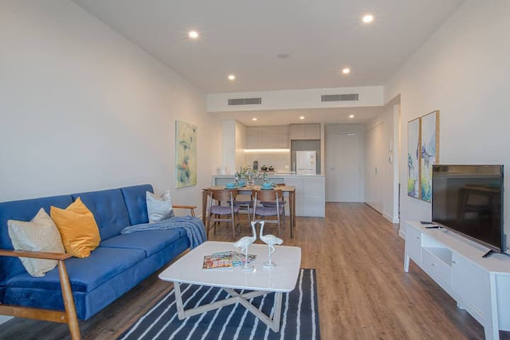 Elegant Water Front Apartment+Parking@South Bank