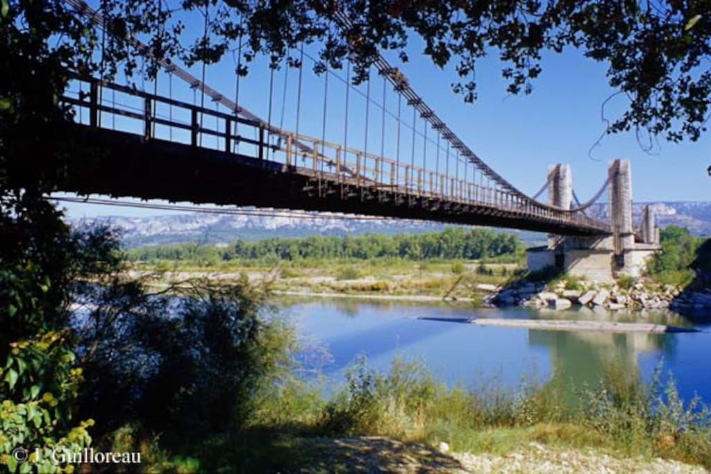 Pont de la Durance à côté