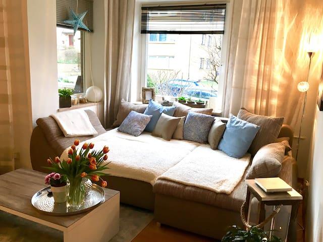 Gemütliche 3 Zimmer Wohnung in zentraler Lage - Hamburgo - Apartamento