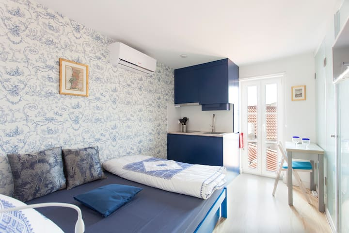 Eco-studio, french balcony & view;´Sao Vicente IV´