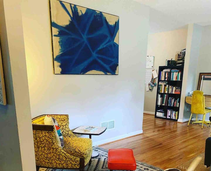 Mindful Midcentury Homeshare Room for Rent
