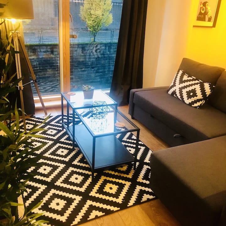SHEFFIELD PURE LUXURY 2 Bed Apartment-Blonk St