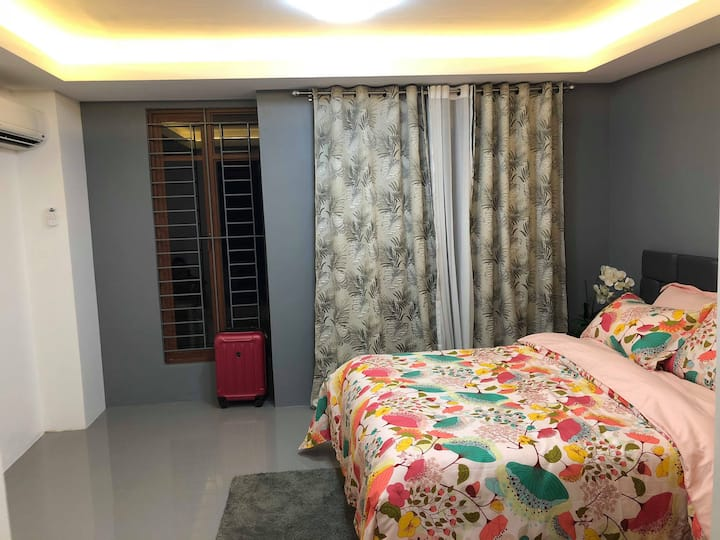 Naga City Entire Townhouse *3BD*3BATH