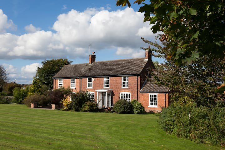 Country Farmhouse Annexe at Clumber Park - 4 star