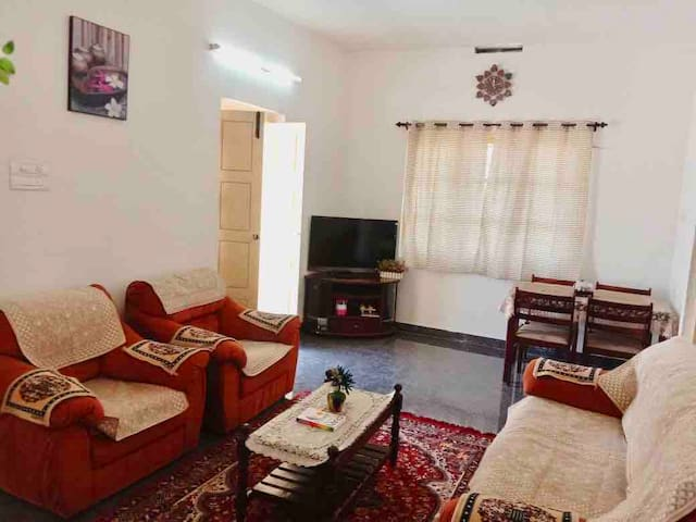 uHomeMe Homestay close to Isha /Kovai Kutralam