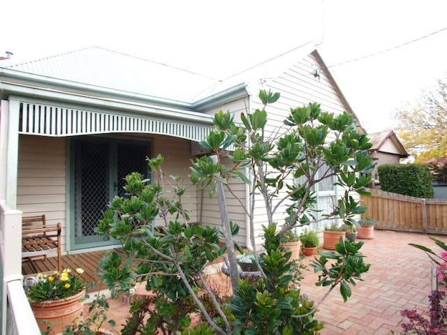 Casa Margherita 2 Bedroom Private Accommodation - Ballarat East - Lägenhet