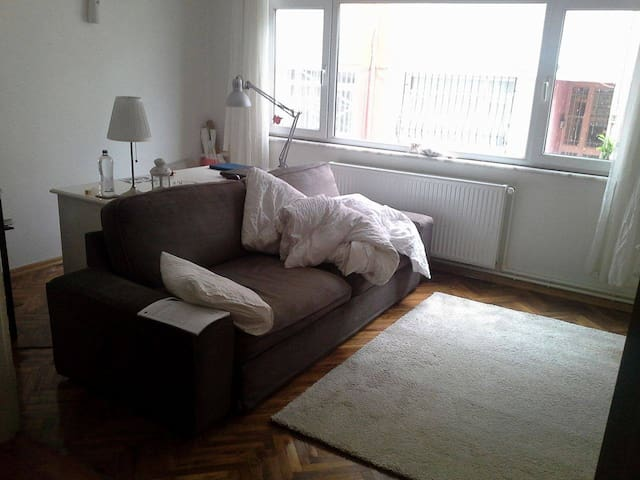 Cosy room in a warmly local district - Üsküdar - Apartment