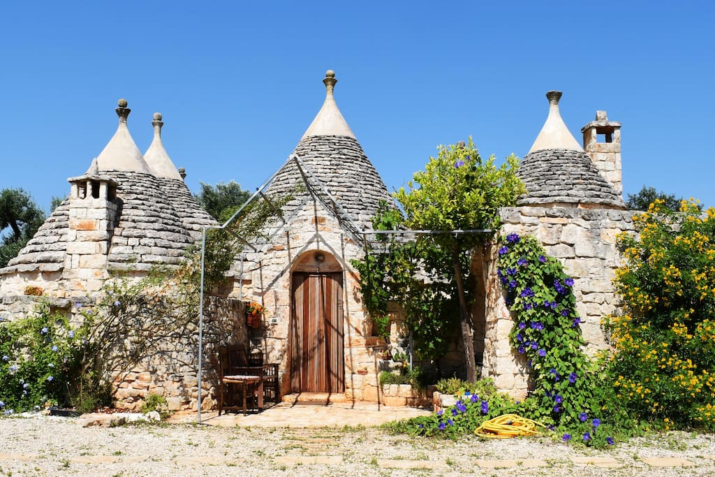 the east face of the trullo
