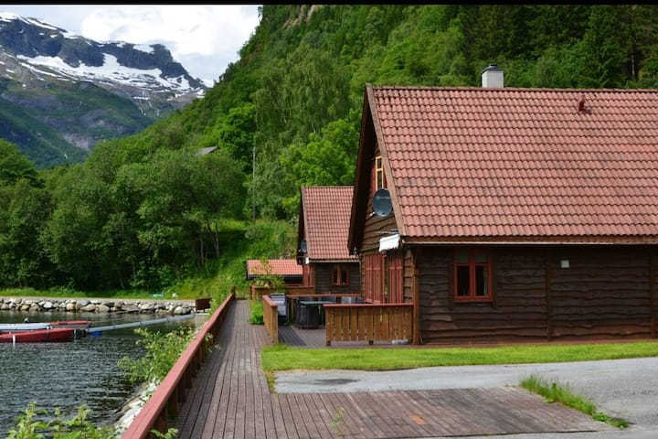 Amazing fjord view cabins Hytte 2
