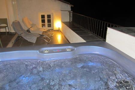 Maison de village, terrasse jacuzzi - Aregno
