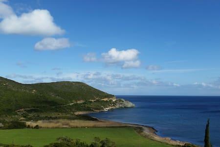 Maison Cap Corse bord de mer - Meria