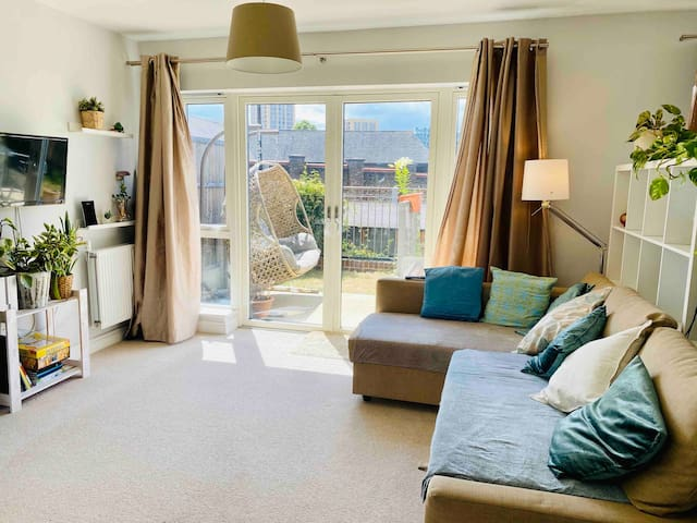 Big and bright London house with great transports