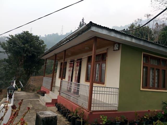 Private twin bedroom at Samatar Homestay