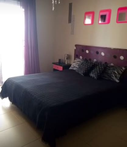 Room with Private Bathroom,2 person - Las Rosas  - Apartamento