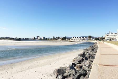 【Weekly discount】2bdr Beachfront apartment/ 4pax - Кейптаун