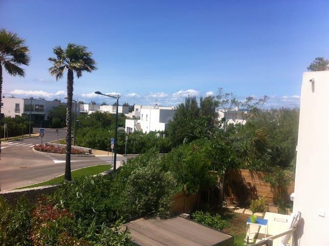 Studio neuf 2 terrasses très calme ( plage à pied) - Sete - Condominio
