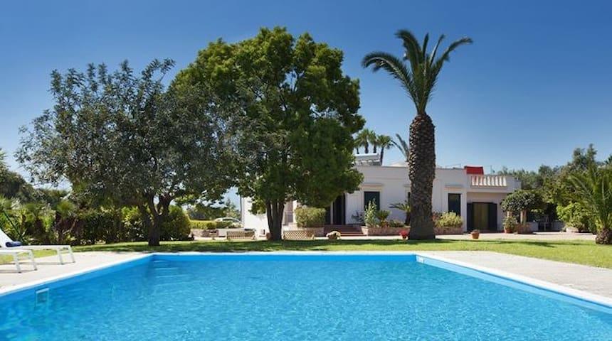 Villa con piscina 10 min Gallipoli - Matino - Villa