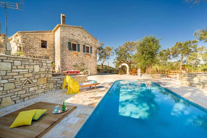 3 bed villa with views of olive trees & Ionian sea