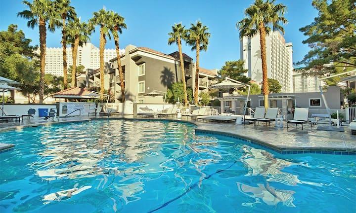 2 Bedroom Condo - Wyndham Desert Rose Las Vegas