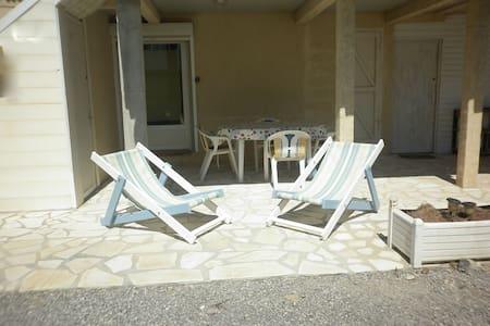 Appartement bas de chalet, proche de la plage - Gruissan