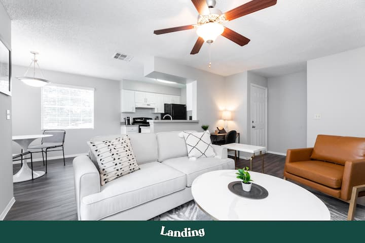 Landing | Modern Apartment with Amazing Amenities (ID35044)