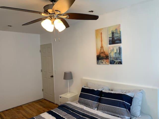 Comfortable Brooklyn room close to Manhattan!
