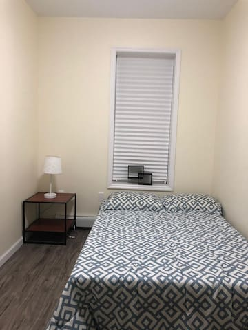 Room in brand new shared apt 20 mins to Manhattan