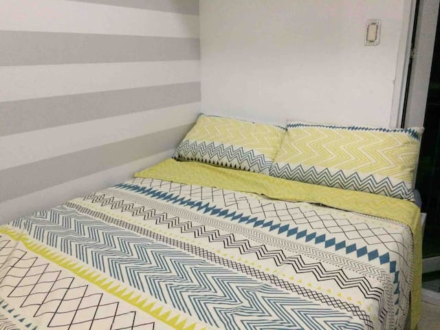 *NEW* Modern Walk to SM mall 1Br WIFI