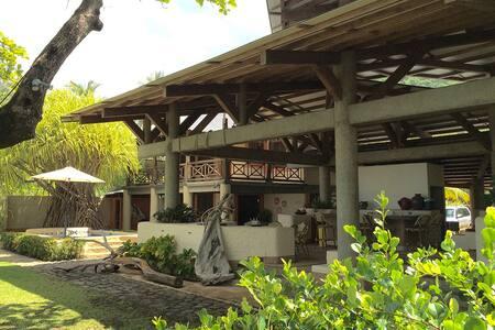 Villa Pietra Mare, Playa San Miguel