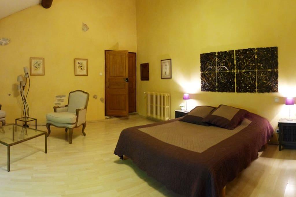 chambre d 39 h te 5mn d 39 aix en provence chambres d 39 h tes louer meyreuil provence alpes. Black Bedroom Furniture Sets. Home Design Ideas